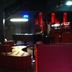 Das Foto wurde bei Wombata City Bar von Vince C. am 2/25/2012 aufgenommen