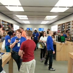 Photo taken at Apple Store, Providence Place by Timothy B. on 7/27/2012