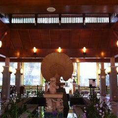 Photo taken at Khaolak Merlin Resort Phang Nga by Sucha on 5/5/2012