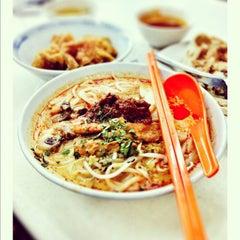 Photo taken at Mr Teh Tarik Eating House by Hyda R. on 8/3/2012