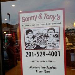 Photo taken at Sonny & Tony's Pizza & Italian by Glenn H. on 4/14/2012