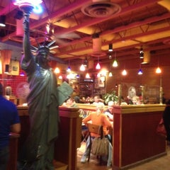 Photo taken at Red Robin Gourmet Burgers by Meg on 3/2/2012