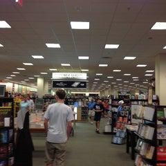 Photo taken at Barnes & Noble by Carmen C. on 8/5/2012