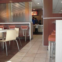 Photo taken at McDonald's by Boyd O. on 11/14/2011