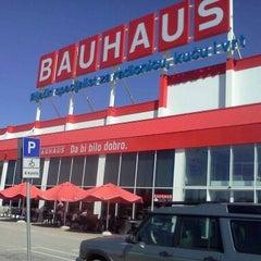 Photo taken at Bauhaus by Damir N. on 9/13/2011
