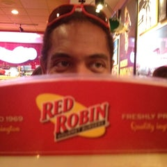 Photo taken at Red Robin Gourmet Burgers by David A. on 6/16/2012