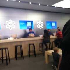 Photo taken at Apple Store, Town Square by Jessica M. on 9/11/2011
