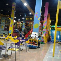 Photo taken at Chipmunks Playland & Cafe by Darma Hariwati Pamungkas H. on 12/16/2011