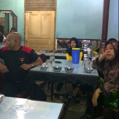 Photo taken at Rumah Makan Singgalang Jaya by Dani M. on 1/1/2012
