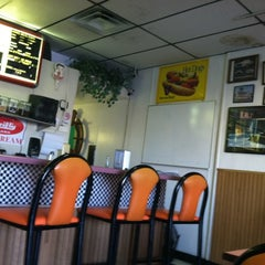 Photo taken at Lenny's Burger Shop by Angela F. on 2/25/2012