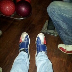Photo taken at Go Planet Bowling by Randy Q. on 3/28/2012