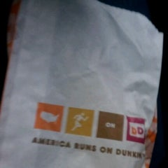 Photo taken at Dunkin Donuts by Arianna H. on 12/24/2011