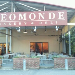 Photo taken at Neomonde by Dean P. on 11/9/2011