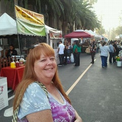 Photo taken at 195 Downtown Grill by Laura Lynn L. on 11/17/2011