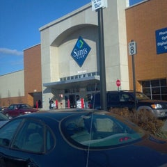 Photo taken at Sam's Club by Doc S. on 12/23/2011
