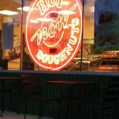Photo taken at Krispy Kreme Doughnuts by Delina J. on 5/22/2012