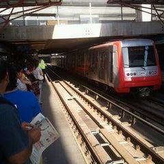 Das Foto wurde bei Metro La Cisterna von Anibal M. am 1/3/2012 aufgenommen