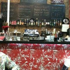Photo taken at Caffè Olé Bistrô by Margareth M. on 8/31/2011