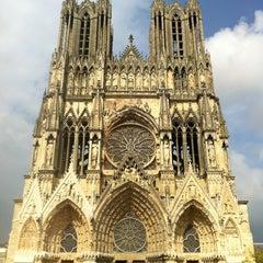 Photo taken at Cathédrale Notre-Dame de Reims by Coralie on 11/18/2011