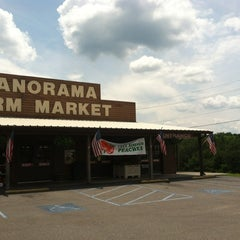 Photo taken at Panorama Orchards Farm Market by Stephanie R. on 6/9/2012