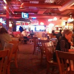 Photo taken at Fuddruckers by Shawn P. on 9/14/2011