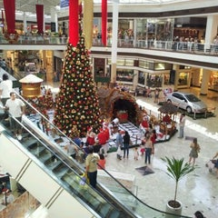 Photo taken at Shopping Campo Grande by LEANDRO C. on 11/27/2011