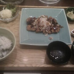 Photo taken at 大戸屋 はません店 by masamic on 10/8/2011