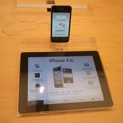 Photo taken at Apple Store, Anchorage 5th Avenue Mall by Savitry M. on 12/9/2011