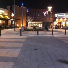 Photo taken at Christiana Mall by Christine H. on 11/27/2011