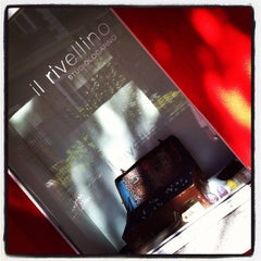 Photo taken at Il Rivellino Art Gallery by Elmoremoreno on 8/11/2012
