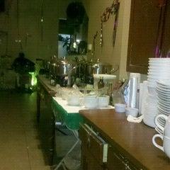 Photo taken at Delicia de Caldos by Mario N. on 2/17/2012