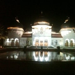 Photo taken at Masjid Raya Baiturrahman by Eco on 9/4/2012