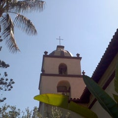 Photo taken at Mission San Buenaventura by Randi-Lynn on 9/18/2011