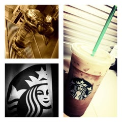 Photo taken at Starbucks by Chadwick R. on 8/20/2012