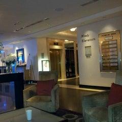 Photo taken at sheraton lobbybar by Hamdy K. on 9/12/2012