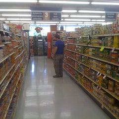 Photo taken at Piggly Wiggly by Robert G. on 9/2/2011