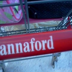 Photo taken at Hannaford Supermarket by Kelly D. on 1/14/2012