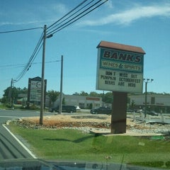 Photo taken at Banks Wines And Spirits by A.T W. on 9/1/2011