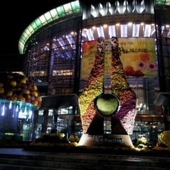 Photo taken at 코엑스 (COEX) by Chloe S. on 10/17/2011