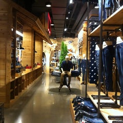 Photo taken at Levi's Store by Thomas S. on 8/29/2011