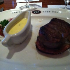 Photo taken at One Eleven Chop House (111 Chop House) by Raymond on 6/25/2011