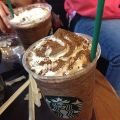 Photo taken at Starbucks Coffee アトレ秋葉原1店 by Nattapong T. on 3/28/2012