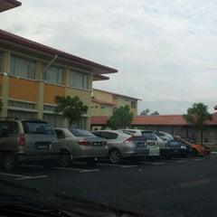 Photo taken at Kolej Matrikulasi Selangor by Izue H. on 11/2/2011