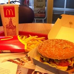 Photo taken at McDonald's by Tomáš V. on 8/3/2011