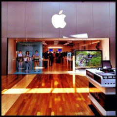 Photo taken at Apple Store, West County by Erin T. on 8/16/2012