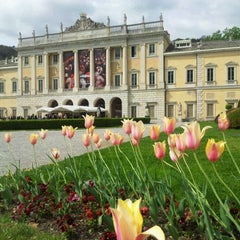 Photo taken at Villa Olmo by Massimo G. on 4/9/2012