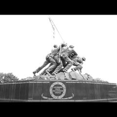 Photo taken at US Marine Corps War Memorial (Iwo Jima) by Buddy Lee on 8/18/2012