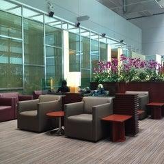Photo taken at KrisFlyer Gold Lounge (Terminal 3) by Rakhma F. on 4/16/2012