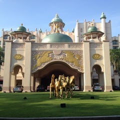 Photo taken at Palace of the Golden Horses by 7sooon84 on 5/11/2012