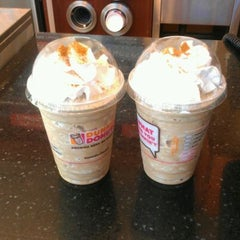 Photo taken at Dunkin' Donuts by M.O.S.💑 on 4/19/2012